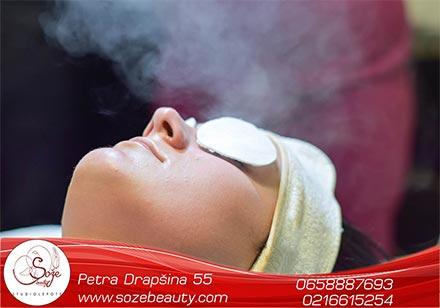 Zašto je važan higijenski tretman lica? Higijenski tretman lica je deo lične higijene lica i podrazumeva čišćenje kože i pročišćavanje pora, kao i hidriranje kože i pojačavanje mikrocirkulacije. Pojačana mikrocirkulacija pospešuje proizvodnju kolagena i elastina, dajući koži elastičnost i čvrstinu. Higijenskim tretmanom oslobađete kožu od nakupljene nečistoće, suvišnog sebuma, izumrlih ćelija, mitisera i drugih sličnih promena. Pravilnim izborom preparata i o samom toku tretmana brine iskusan kozmetičar, a zadatak mu je da Vam da savete […]
