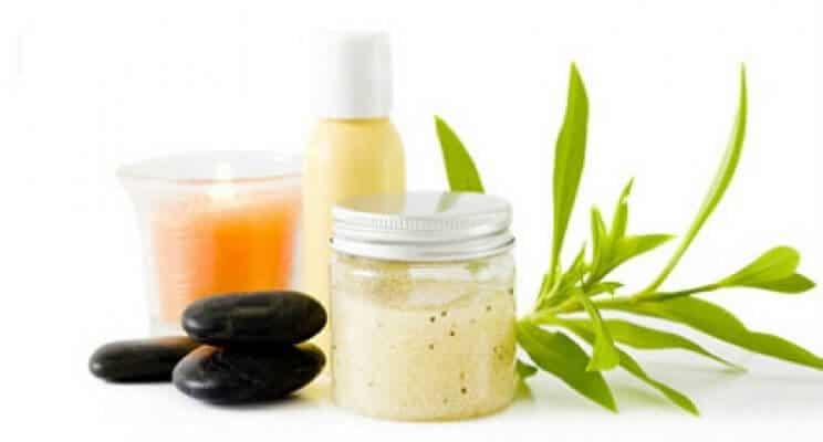 Zašto baš organska kozmetika? Kada smo počeli sa radom, odlučili smo se za organsku kozmetiku. Potrudili smo se, da našim klijentima pružimo najbolje i da ne opterećujemo njihovu kožu sa teškim preparatima. Odlučili smo da se naš studio lepote ističe po tome i nudi samo preparate koji su prirodni, bez mineralnih ulja i parfema. Uputiću Vas malo u to šta prirodnu kozmetku izdvaja od ostale i zašto treba baš nju koristiti. Svakoga dana većina od […]